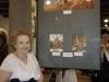 Hania Śleszyńska przy swoich wyróżnionych pracach