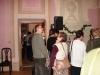Tadeusz z podziwem ogląda proace konserwcyjne przepięknego Dworku, w którym znajduje się Muzeum